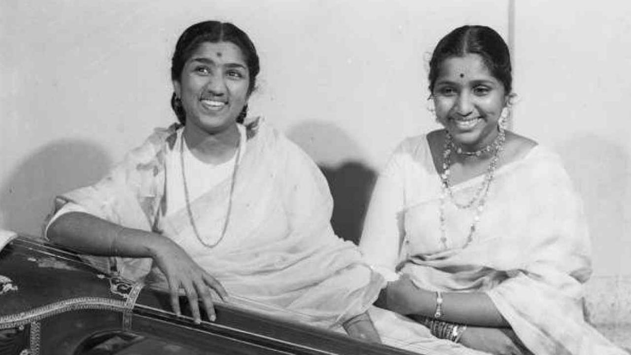 Asha Bhosle With Lata Mangeshkar