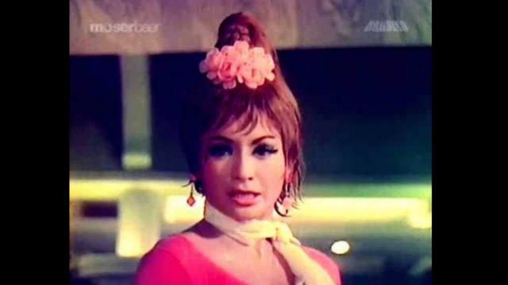 Helen Cabaret Gaana Pehchaana