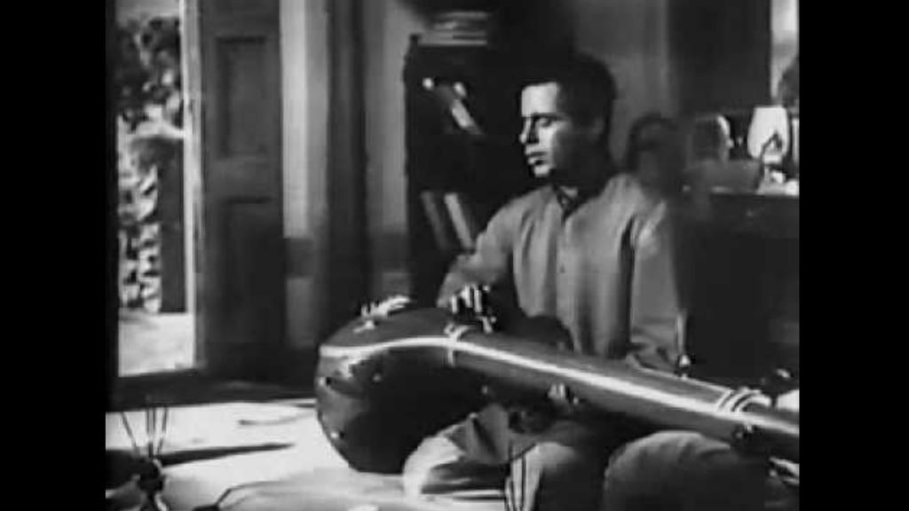 Sapno Ki Suhani Duniya Song